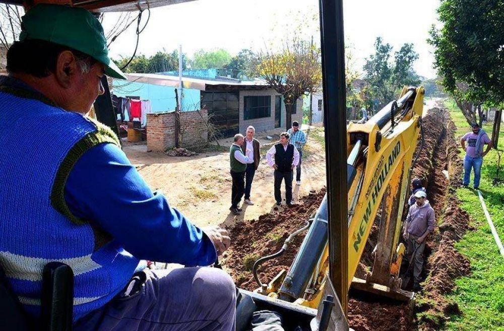 Ampliación de la red de agua y cloacas beneficiará a 250 familias