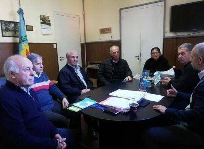 Mar Chiquita: El Intendente Ronda firmo acuerdo con autoridades de IOMA