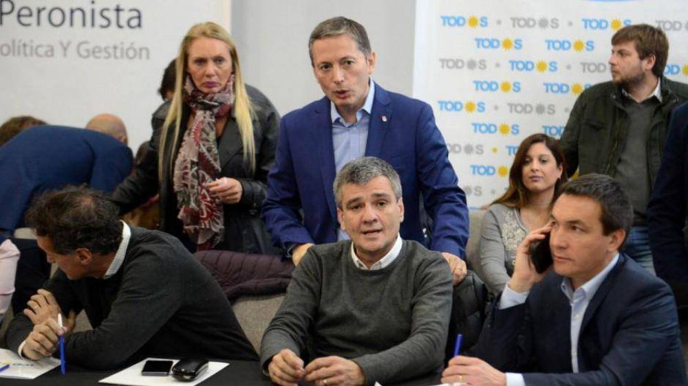 Los intendentes quieren ponerle un ministro a Kicillof y otro a Alberto si ganan la elección