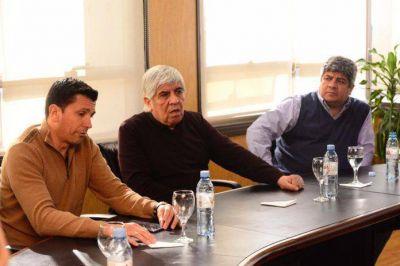 Aeronavegantes junto a Hugo y Pablo Moyano rechazaron a la política aerocomercial