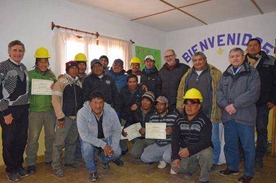 Recambio y ampliación de agua y conexiones domiciliarias en Uquía