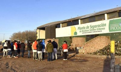 Alumnos interesados por el cuidado del medio ambiente visitaron la planta de Separación de Residuos Sólidos Urbanos