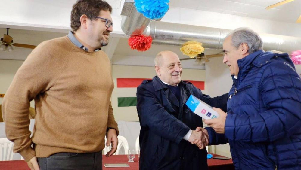 """Arroyo con vecinos de Don Bosco: """"Ustedes saben quien es quien en esta elección"""""""