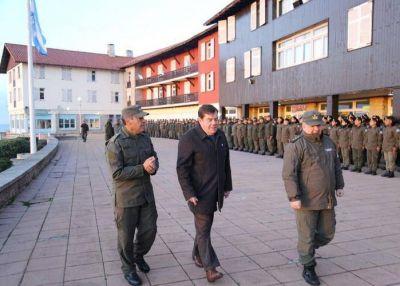 Montenegro junto a los Gendarmes en Chapadmalal en el 81° aniversario de la fuerza