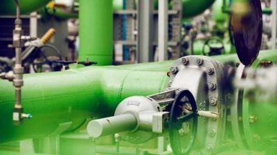 Precio de Nafta Súper 95 importada superaría el costo del mismo producto refinado en Uruguay