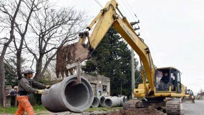 Pusieron en marcha una obra hidráulica para mejorar el sistema de desagües en La Plata