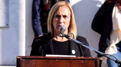 Monte: Piñon se sienta sobre el sello del PJ enfurecida por el apoyo de Frente Todos a Mayol
