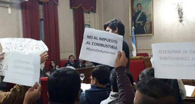 Catarata de juicios de expendedores contra funcionarios por la Tasa Vial