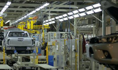 Toyota suspende más de 5 mil operarios hasta el 5 de agosto y encara su propia reforma laboral