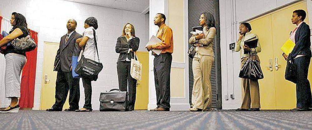 La tasa de desempleo en EE.UU. llegó a 9,8% y es la más alta en 26 años