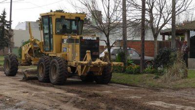 Servicios Públicos retomó el acondicionamiento de calles y sigue con bacheo