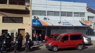 Nueva denuncia contra la clínica del horror en Berazategui: entró con una fractura en el brazo y salió en estado vegetativo