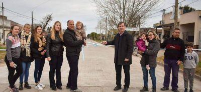 Intendente Harispe inauguró el pavimento en la avenida Valentín Etessano