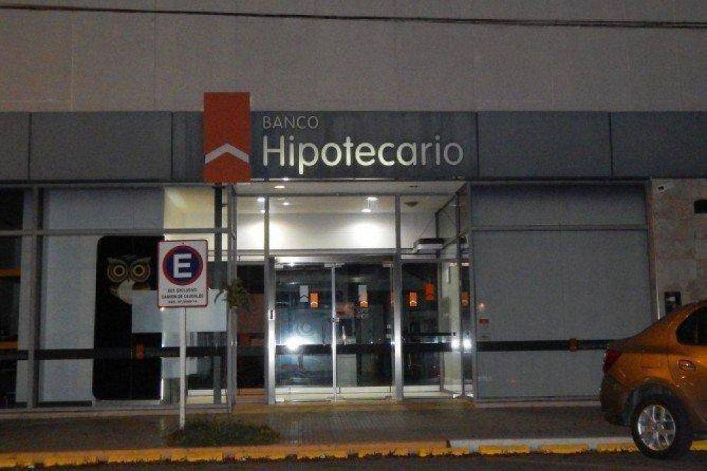 Cerró una sucursal del Banco Hipotecario y despidieron a todo el personal
