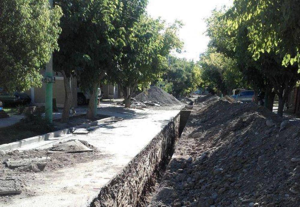 Estiman que en 20 días habrá solución para las retrasadas cloacas de Rivadavia