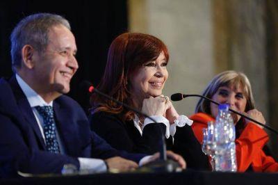 """Cristina en La Bancaria: """"A este gobierno nada lo conmueve"""""""
