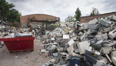 Pondrán contenedores para residuos electrónicos