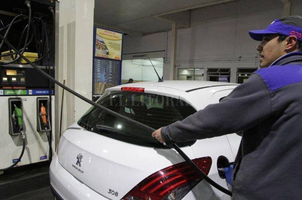 Se posterga el aumento del precio de los combustibles