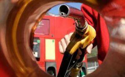 Oficializaron nueva suba desdoblada de impuesto a los combustibles