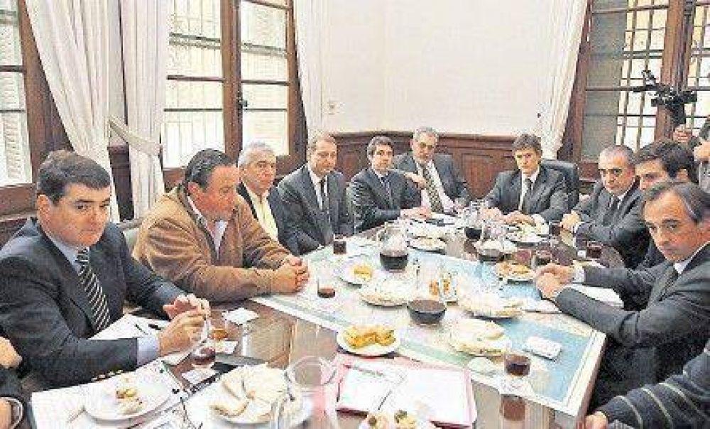Scioli cedió a la presión y limitó los alcances del aumento impositivo