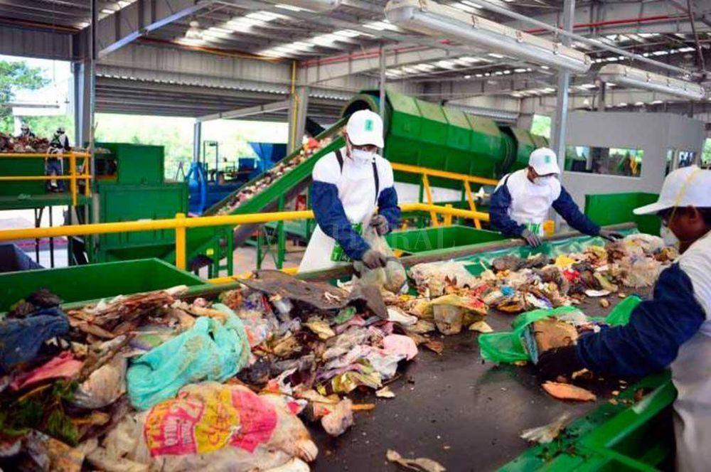 Carlos Pellegrini se sumó al plan integral de residuos urbanos