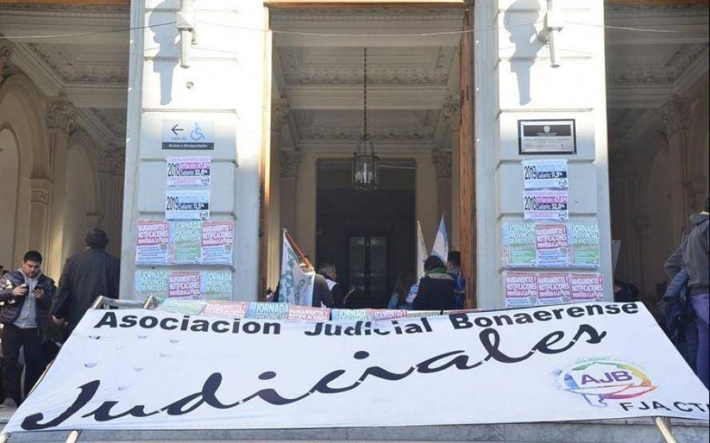 """Judiciales de paro con Vidal en la mira: """"Debe respetar la Constitución y convocar a paritarias"""""""