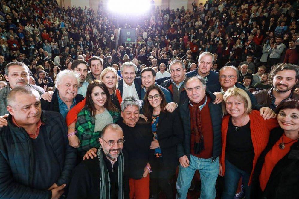 Alberto Fernández: caravana y cumbre con gobernadores
