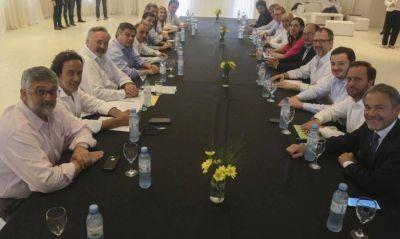 Dios atiende en Capital: los candidatos bonaerenses tienen búnkeres en la Ciudad