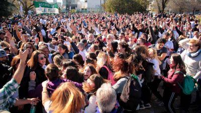 Tolosa Paz convocó 2000 militantes para repartir sus boletas