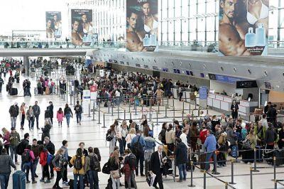 Ezeiza: los sindicatos aeronáuticos se movilizarán hoy a partir de las 9