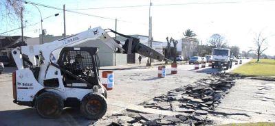 Con trabajos sobre la 53, comenzó la obra de repavimentación de las calles del microcentro