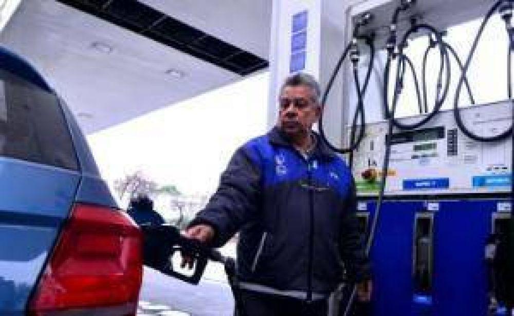 Petroleras dicen que las naftas tienen un retraso del 10% y habrá subas tras las PASO