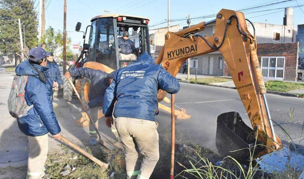 Personal municipal realizó la limpieza de desagües pluviales de la ciudad