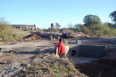 Continúan los trabajos en el canal derivador para la planta potabilizadora