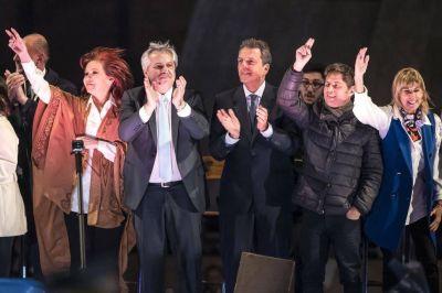 Fernández y Cristina apelaron a la economía para polarizar con el Gobierno