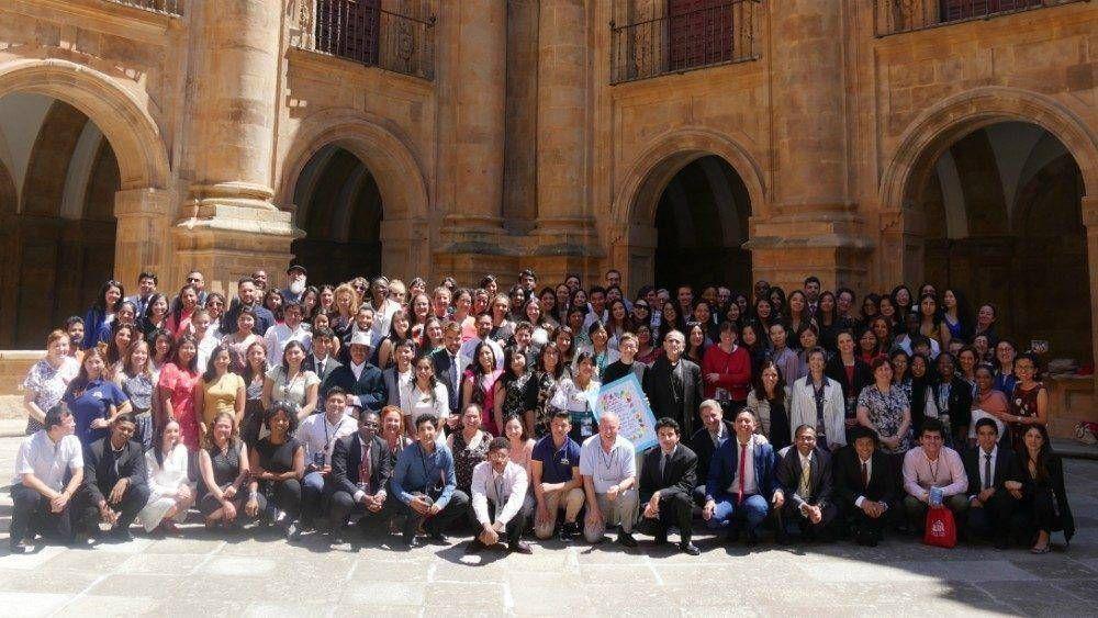 Parlamento Universal Juventud: tomar decisiones desde y para la paz