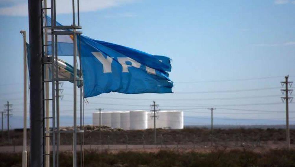 La baja del consumo de combustibles impactó en los números de YPF
