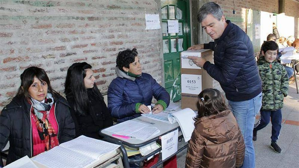 «Esperamos una Argentina más justa», dijo, tras votar, el intendente Zabaleta