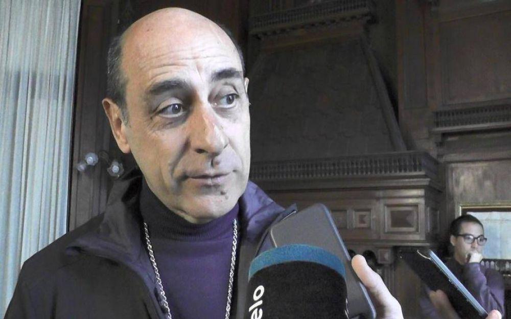"""Tucho Fernández volvió al Astillero y lo destacó como """"un gran símbolo de la resistencia"""""""