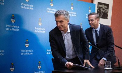 Espalda con espalda: Macri y Peña, solos contra el mundo