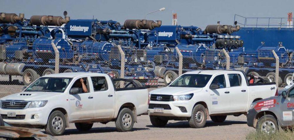 Proveedores petroleros frenan venta de insumos por la volatilidad del dólar