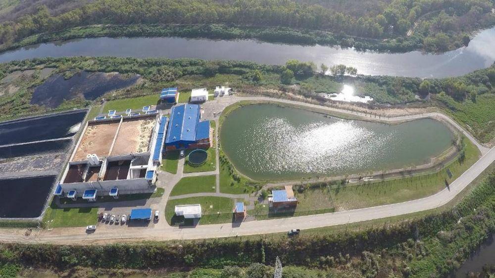 El Ceamse inaugura una fábrica de ecoladrillos, realizados en base a residuos sólidos urbanos