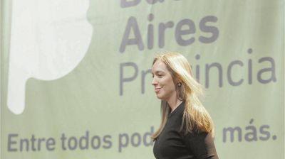 Vidal vuelve a la pelea con anuncio de bono y aumentos de salarios para estatales