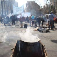 Tras la movilización frente al Municipio, organizaciones sociales no descartan instalar un acampe
