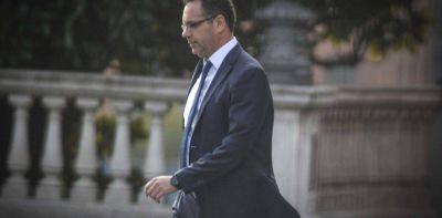 Guiños, diálogos y negociaciones entre Alberto Fernández y el Banco Central
