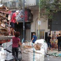 Crisis ambiental: se producen 21.000 toneladas de residuos por día