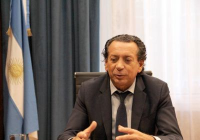 A contrareloj y con el eje puesto en medidas laborales, Macri recibe a Sica