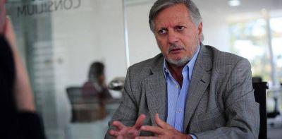 """La consultora de Juan José Aranguren criticó el congelamiento de las naftas: """"Es un desincentivo a la inversión"""""""