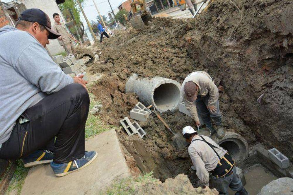 Supervisaron obras del plan Hídrico para evitar inundaciones en calle Loreto