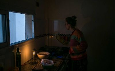 En Villa del Plata y El Rincón se quejan por falta de luz y Edelap destaca avances en Zona Norte